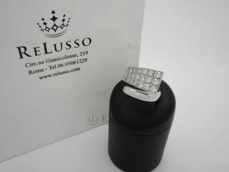 Anello Contrarié in oro bianco con pavé di diamanti da 1,70ct foto1