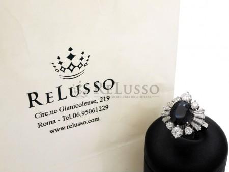 Anello con zaffiro centrale da 3,20ct e diamanti per 1,70ct in oro bianco foto1