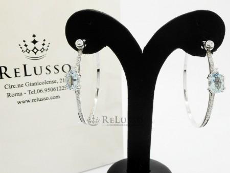 Paio orecchini a cerchio con acquamarine per 1,60ct e diamanti in oro bianco foto1