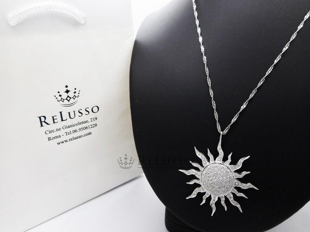 prezzo di fabbrica 34d07 be427 Collana con pendente a forma di sole in oro bianco e ...