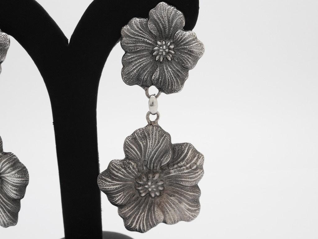 metà fuori fashion design salvare Orecchini Gianmaria Buccellati collezione Gardenia in argento